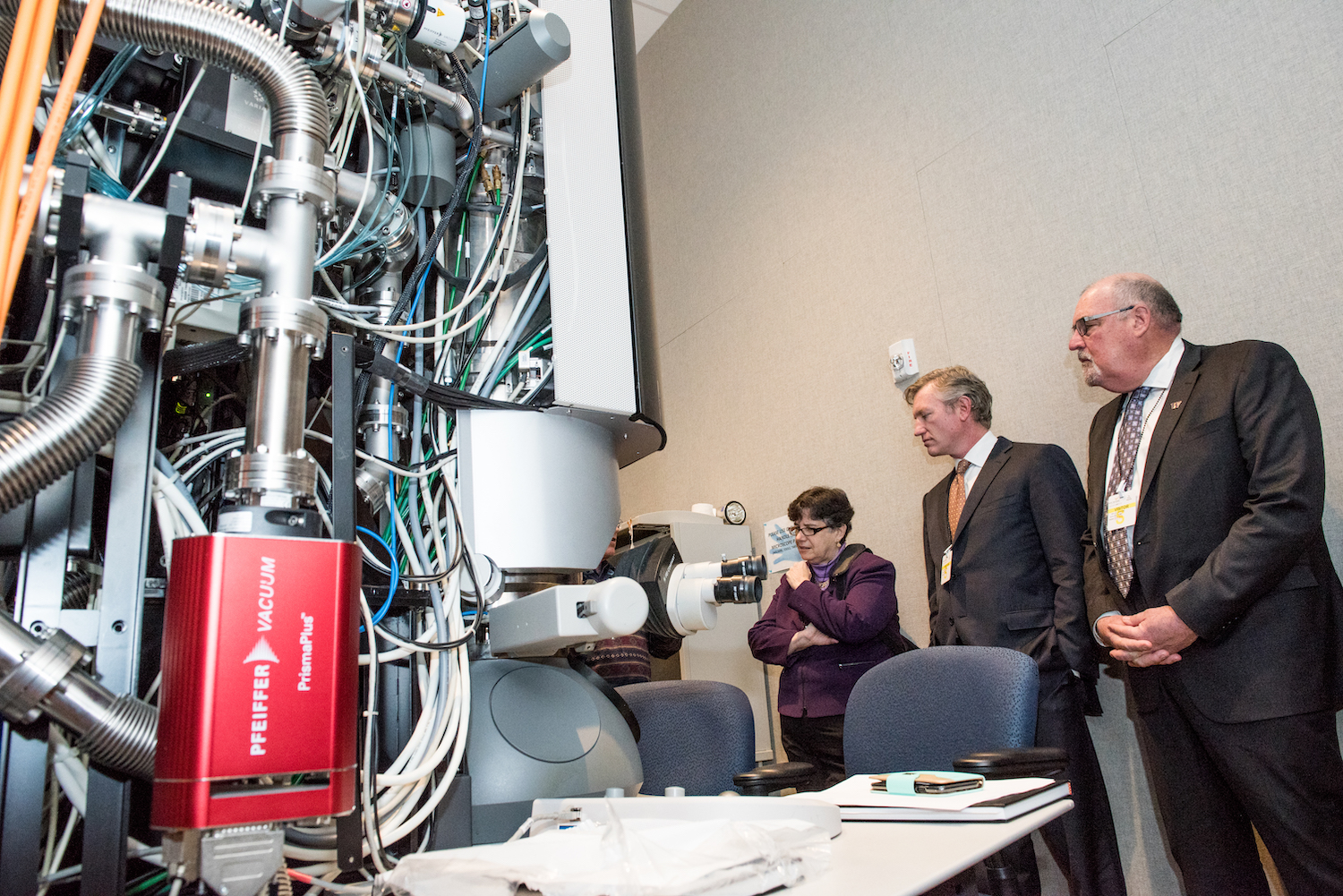 , University of Washington, Pacific Northwest National Laboratory team up to make the materials of tomorrow